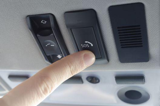 El sistema de llamada de emergencia eCall abre la puerta al vehículo conectado